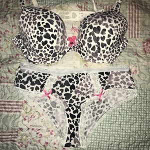 Victoria Secrets matching bra and panties.